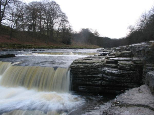 Aysgarth Falls Upper Drop Waterfall